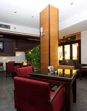 819_pablo-cafe-and-restaurant-in-alexandria-1