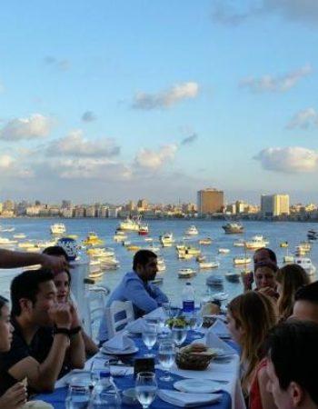 825_greek-club-white-and-blue-restaurant-3