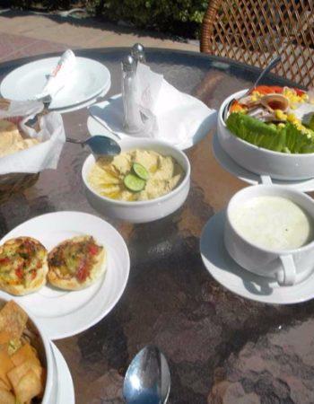 825_greek-club-white-and-blue-restaurant-9