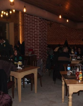 815_fernandos-cafe-in-alexandria-egypt-16