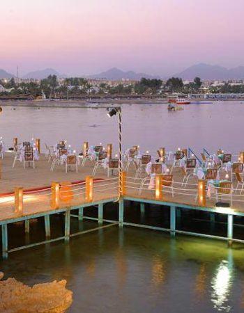 اون ديك المطعم العائم فى شرم الشيخ خليج نعمة