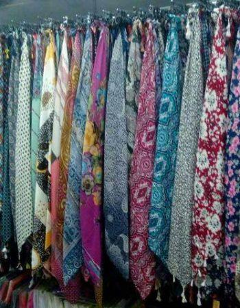 El Agamy Star Mall in Alexandria العجمى ستار مول فى الاسكندرية 5 scarfs for women